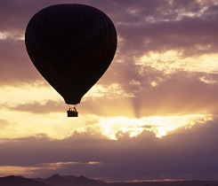 hot-air-balloon_istock_000003070790_small